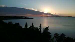 Ibland är livet vackert som en solnedgång, ibland inte. Oberoende av hur vår situation ser ut behöver vi söka Guds närhet för att finna kraft, tröst, frid och glädje.